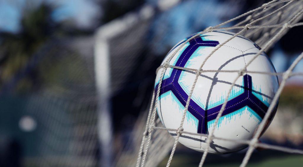 Comment être un bon défenseur de football?