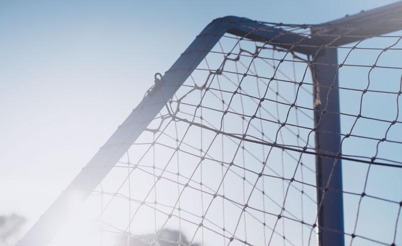 Comment bien dribbler au football? Dribbler par la technique du crochet